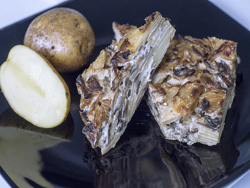 Cartofi gratinaţi cu ciuperci
