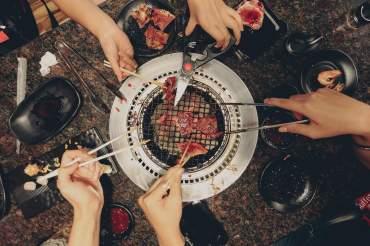 Ce mănâncă fiecare generație: idei de catering cu care nu dai greș
